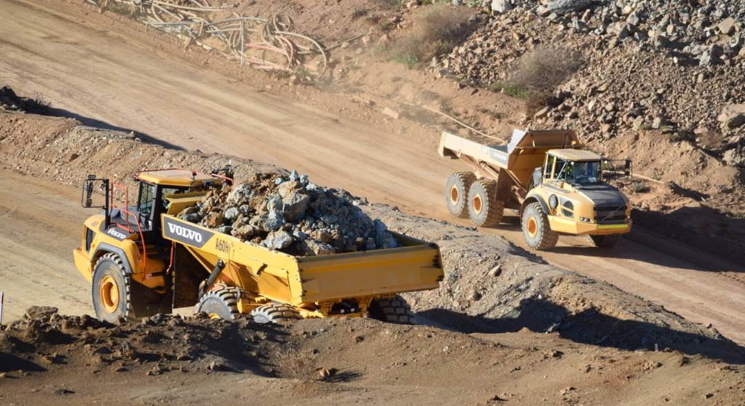 Hallett Resources Save 15% on Cost-Per-Ton with Two A60H Haulers 2