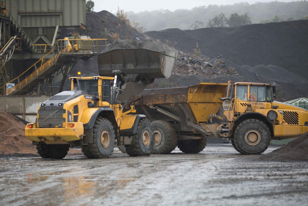 Volvo rocks it for Australia's Matthews Quarries 1