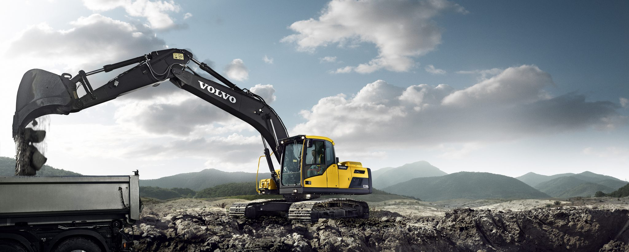 High Performance, Low Fuel Consumption - The Volvo EC220D Excavator 15