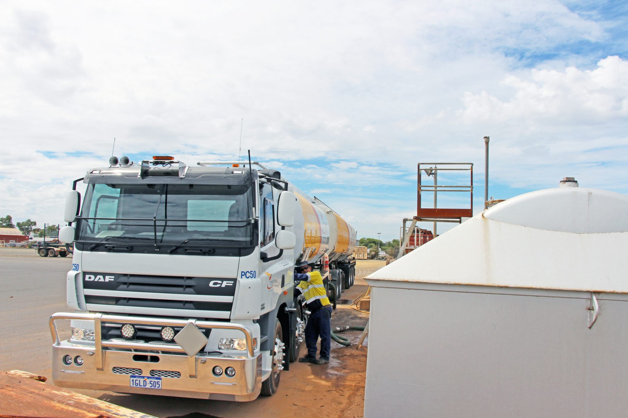 Fuel Distributors of WA Partners with CJD Trucks and DAF 10