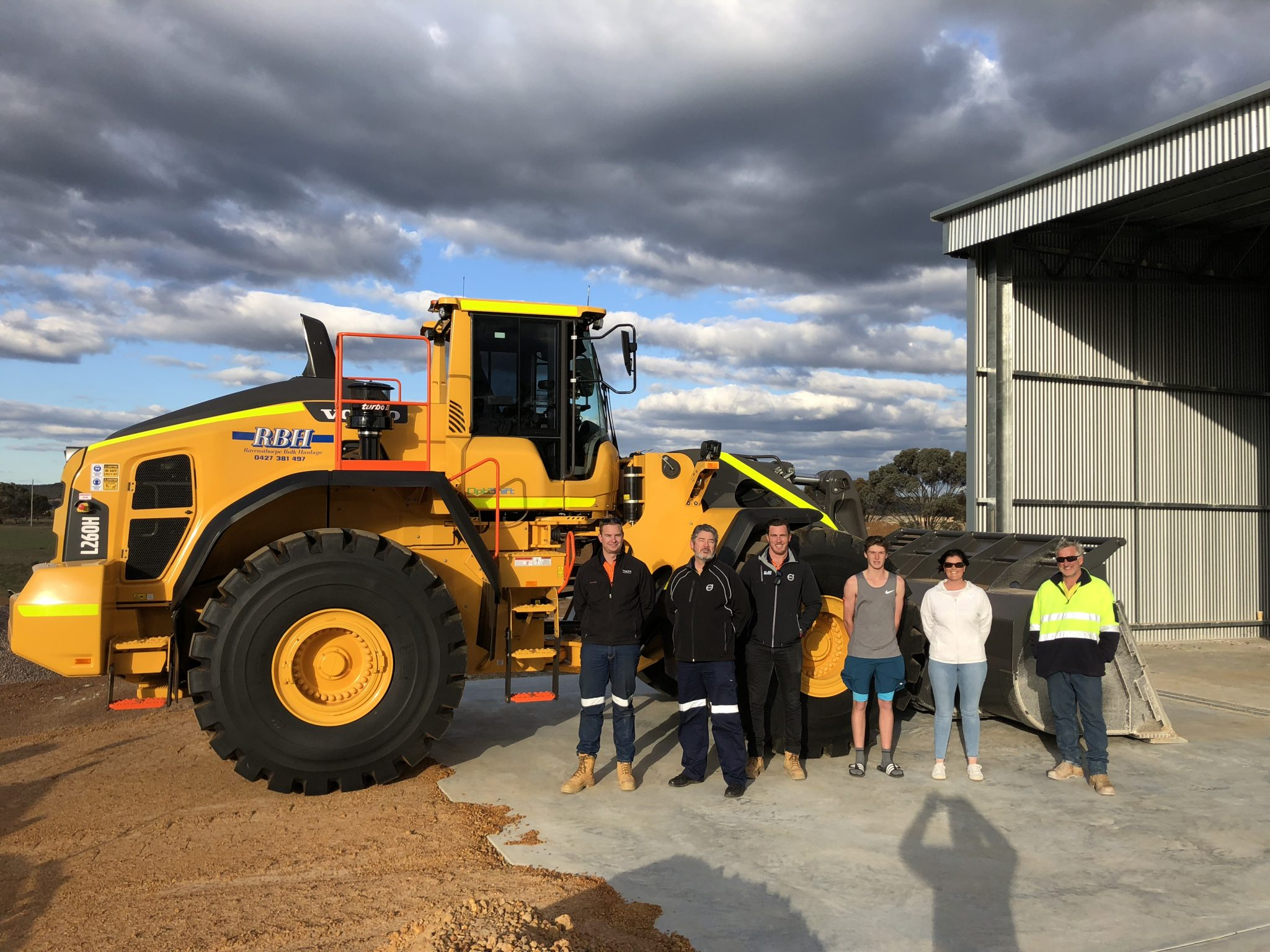 RBH meets growing lithium demand with powerful Volvo L260H 9