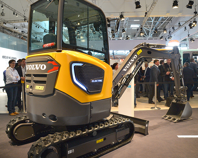 Volvo's Electric Excavator Helps Build the Morgan Stanley Garden at Iconic RHS Chelsea Flower Show 5