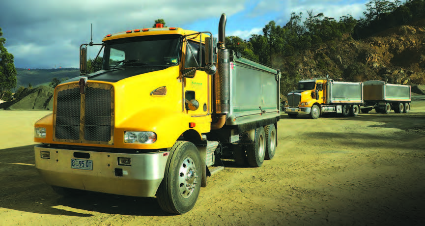 Much Loved Kenworth C509 Takes to the Track with Solar Cars 7