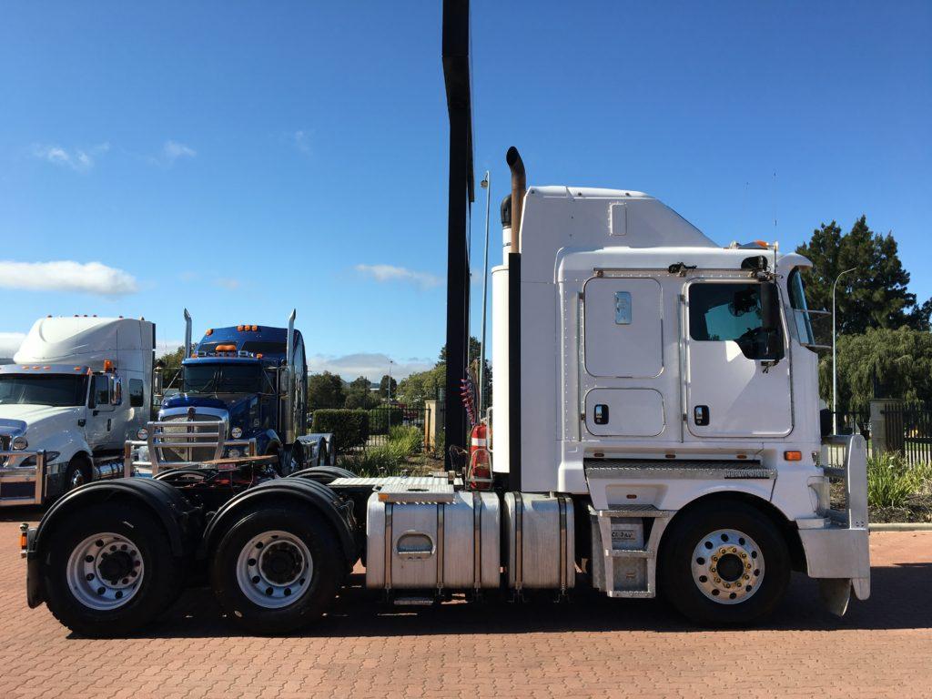 2012 Kenworth K200 1