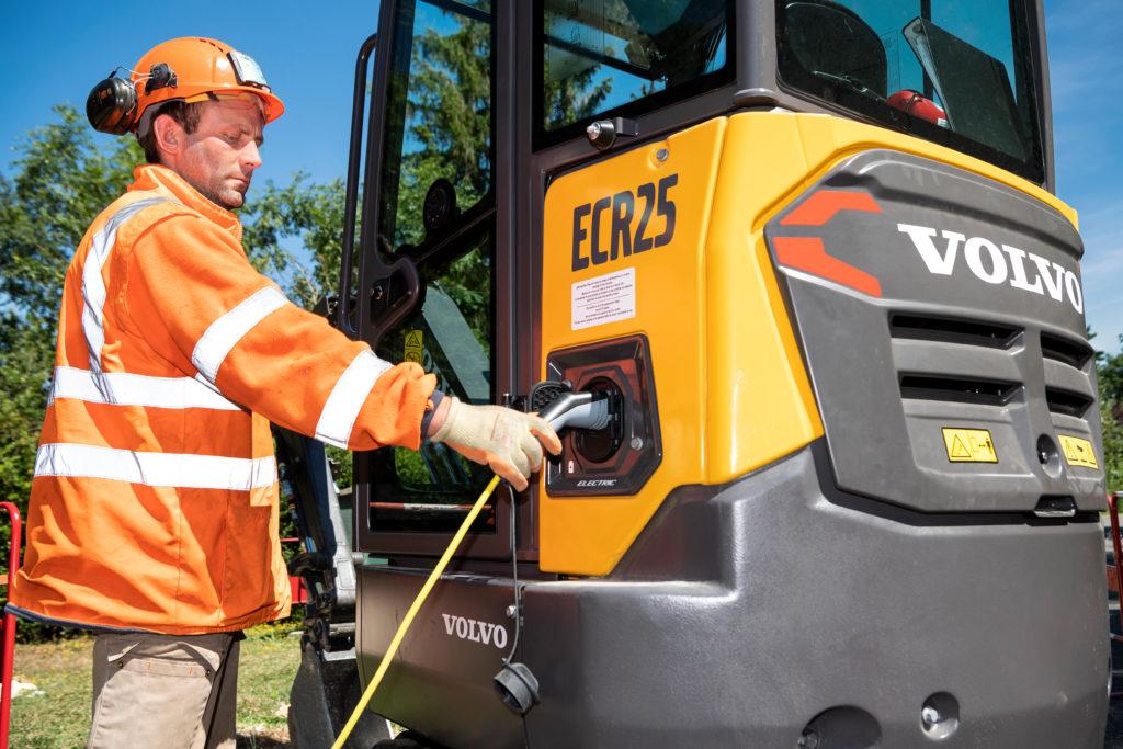Volvo_ Electric_Compact_Excavator