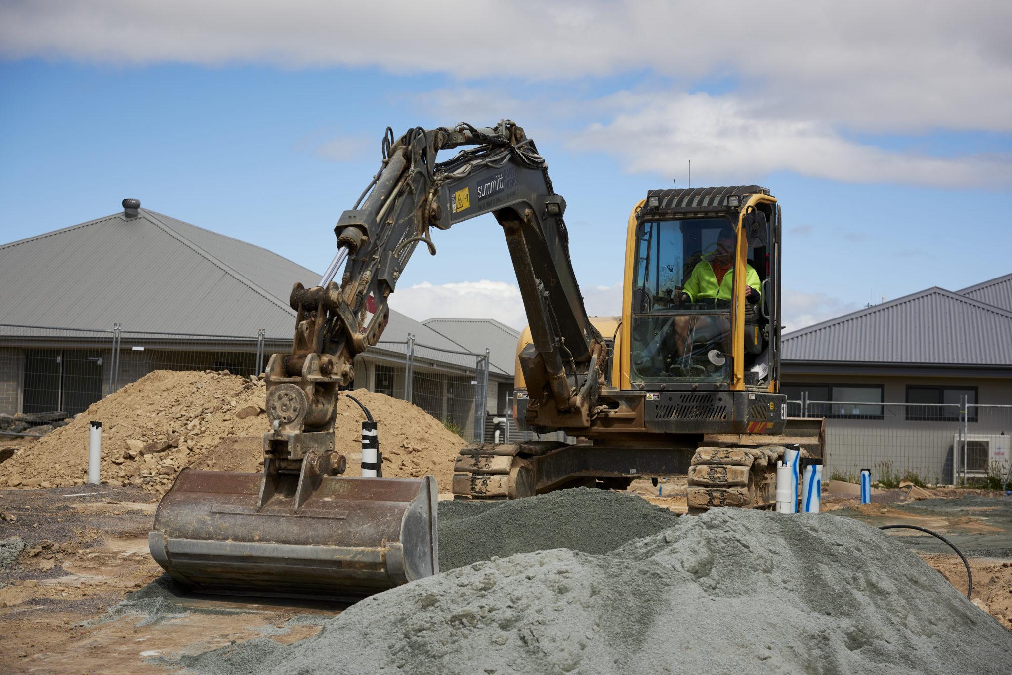 Summiitt Earthworks Partners with CJD Equipment 2