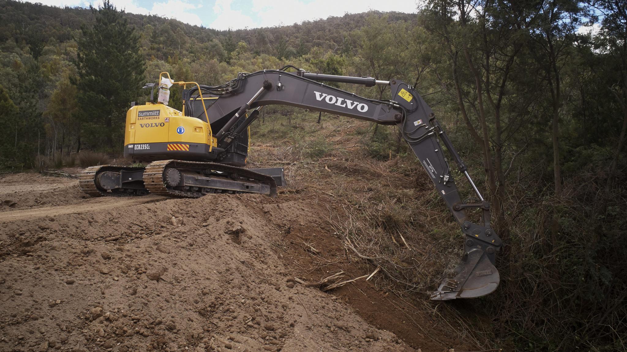 Summiitt Earthworks Partners with CJD Equipment 4
