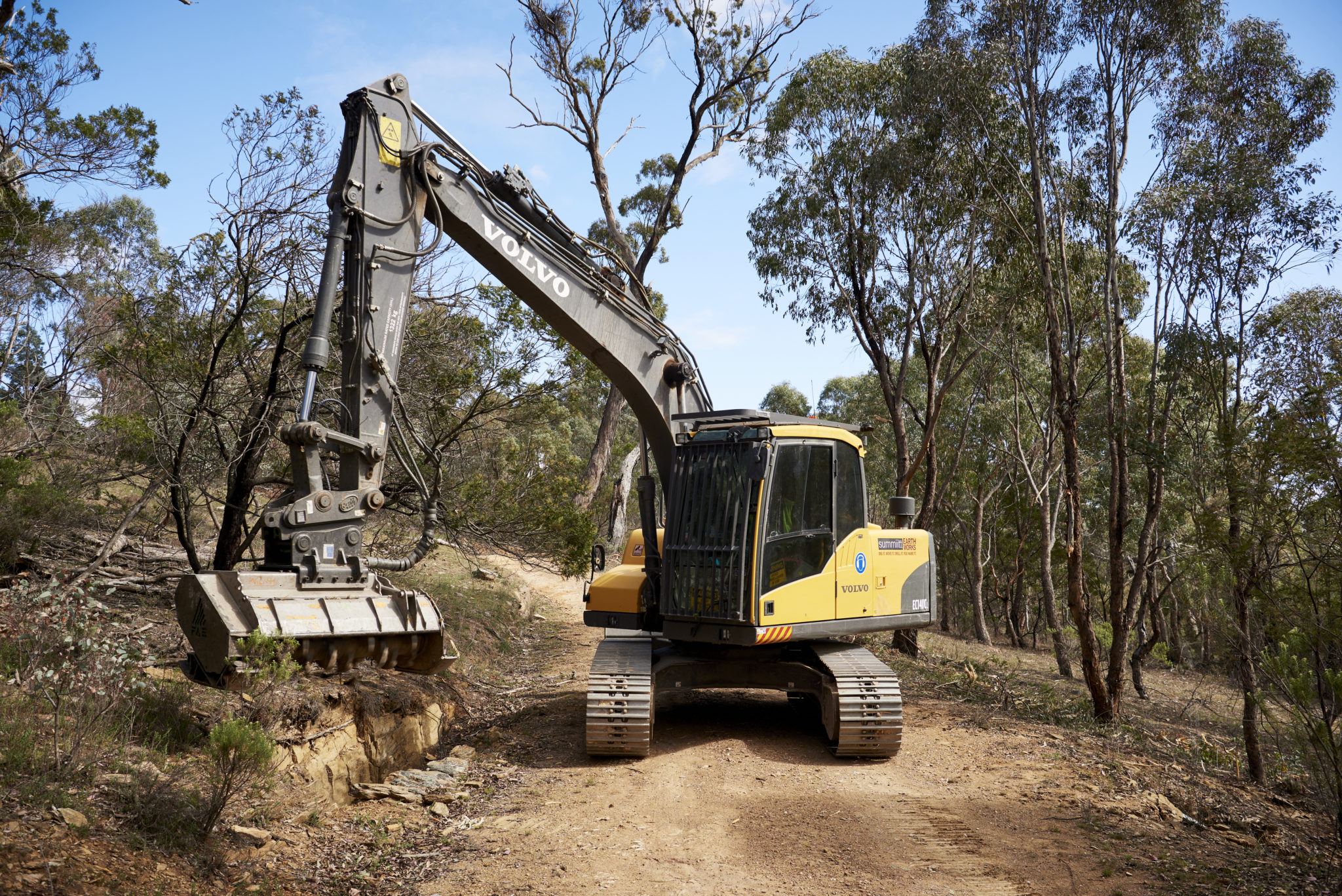 Summiitt Earthworks Partners with CJD Equipment 9