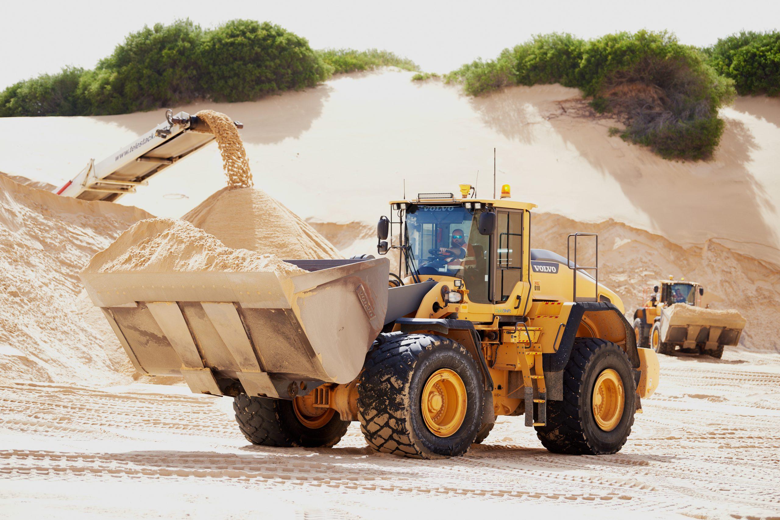Macka's Sand & Soil Supplies and CJD Equipment 5