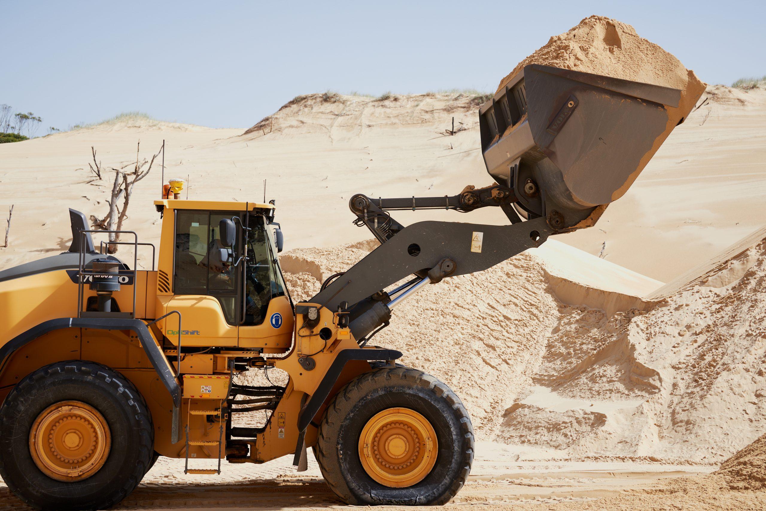 Macka's Sand & Soil Supplies and CJD Equipment 6