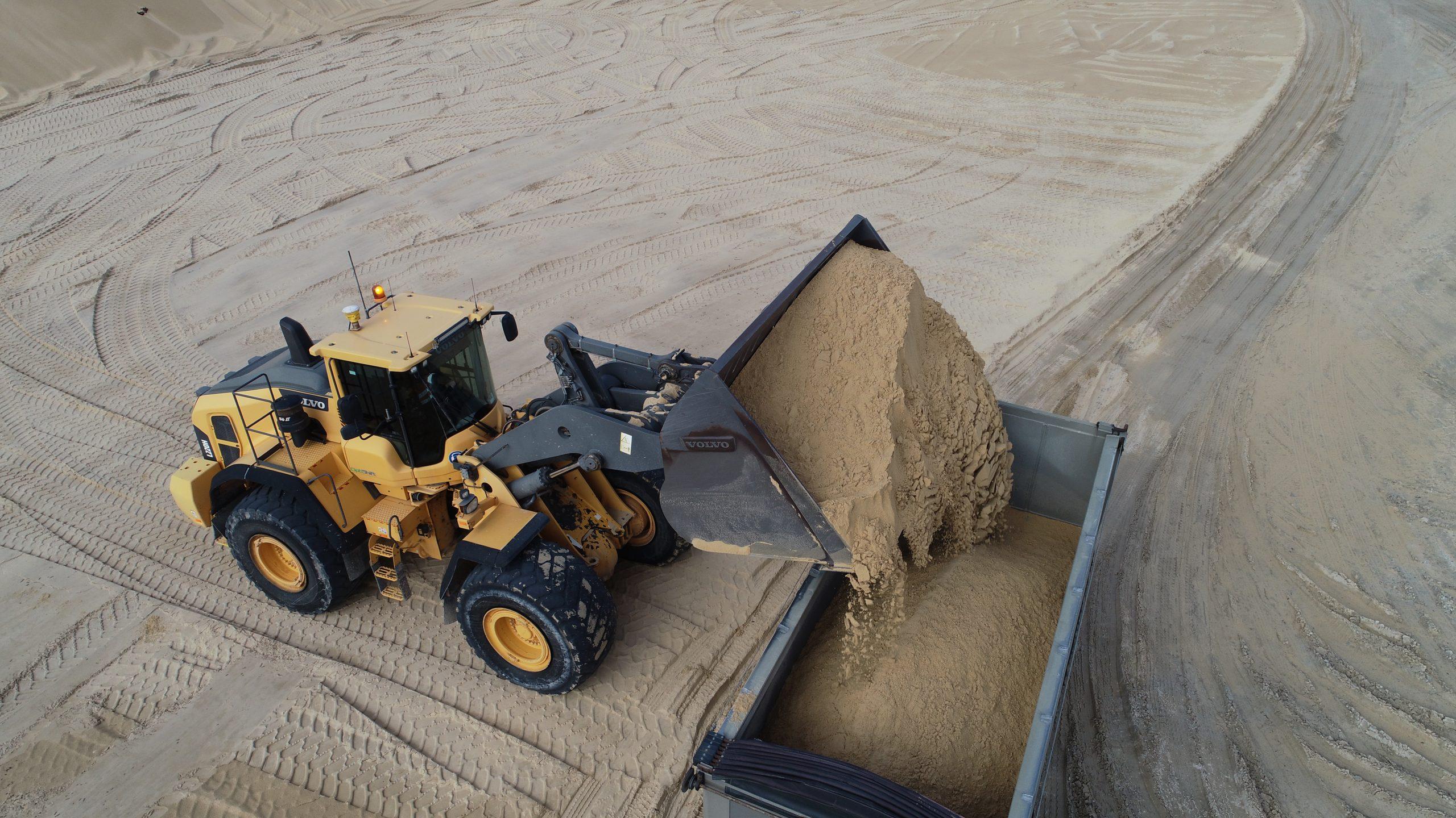 Macka's Sand & Soil Supplies and CJD Equipment 3