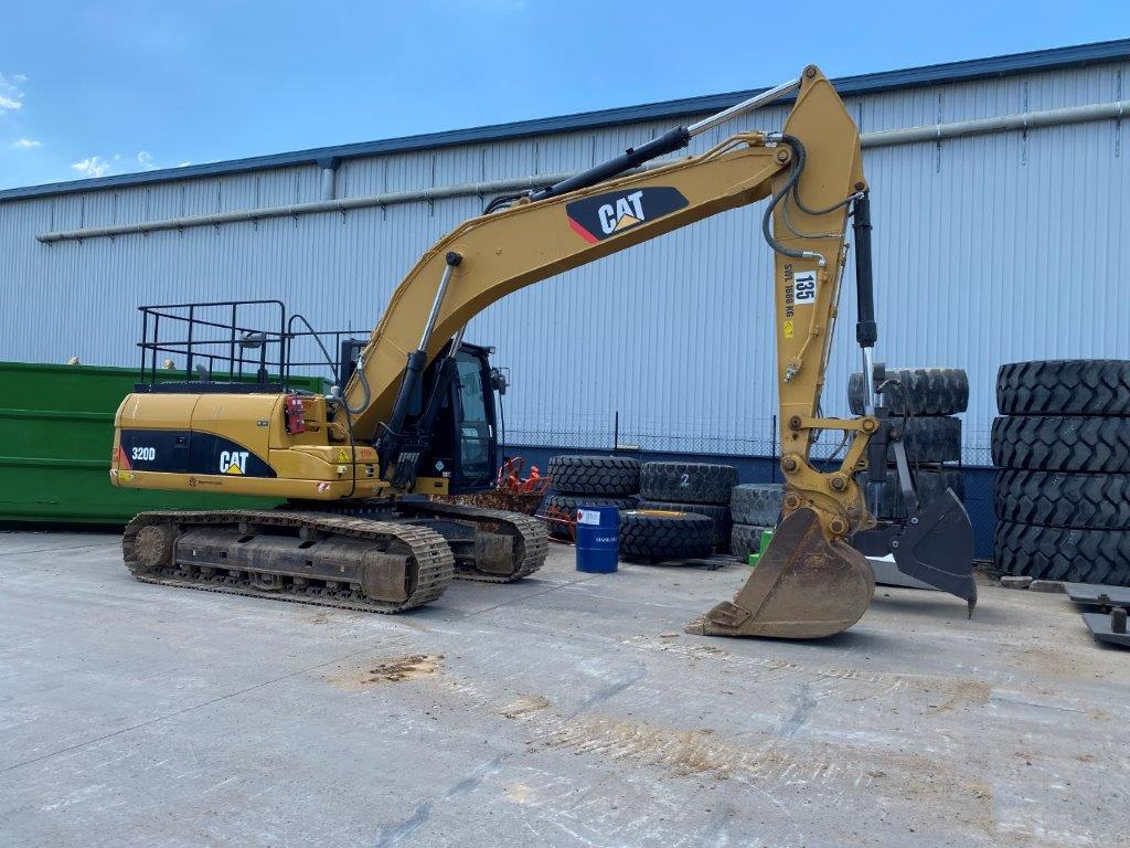 Used 2011 CAT 320DL