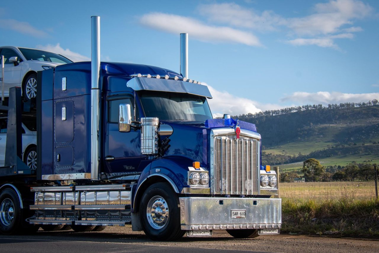 Kenworth T610SAR makes life a little easier out on the road. 6