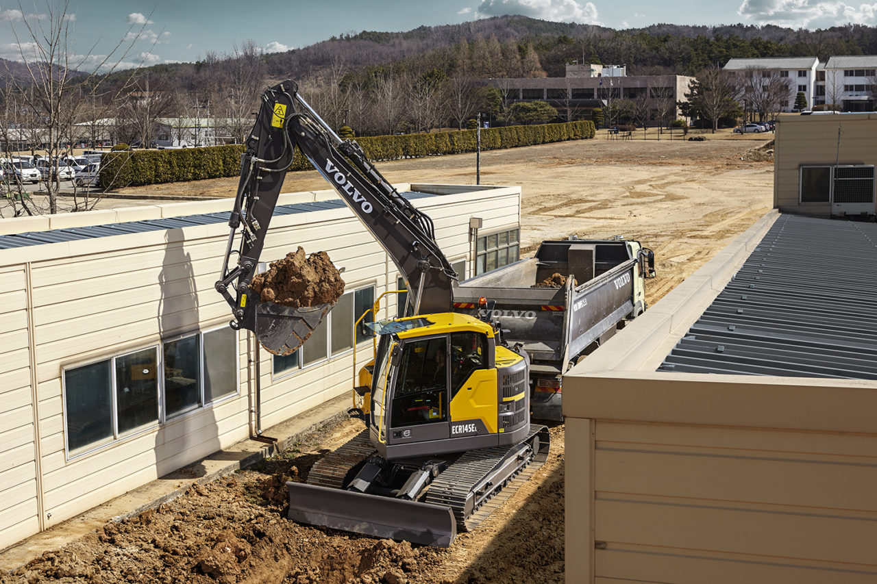 Volvo ECR145E Excavator Test Drive 3